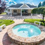 Pool House & Spa