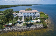 $6.89 Million Waterfront Home In Coral Gables, FL