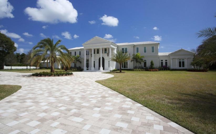 $8.9 Million Lakefront Mansion In Boca Raton, FL