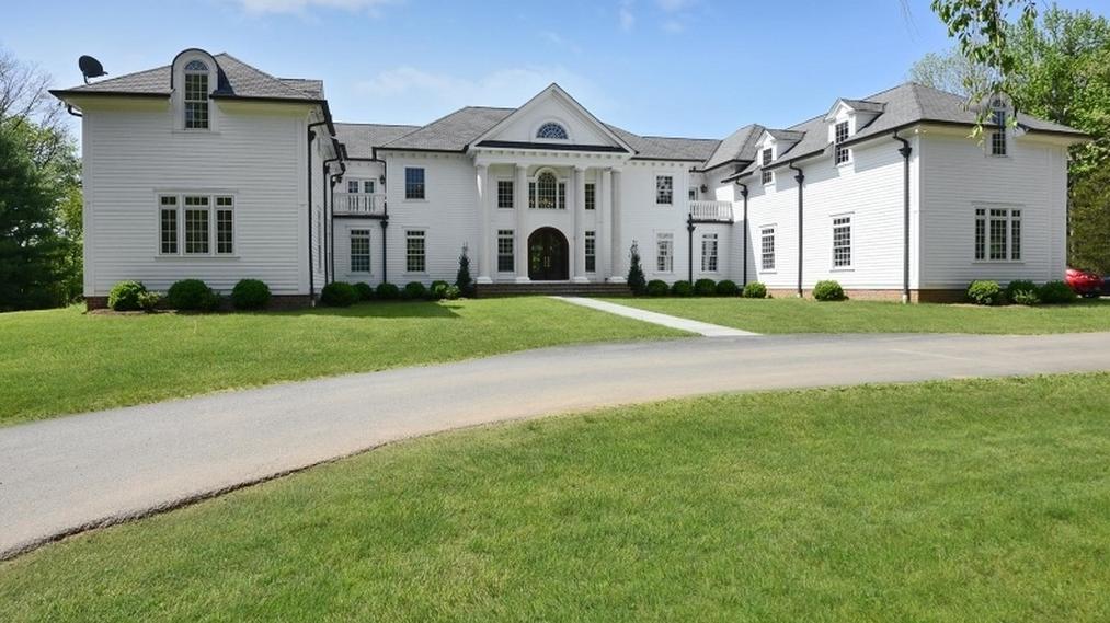 $3.45 Million Colonial Home In Basking Ridge, NJ