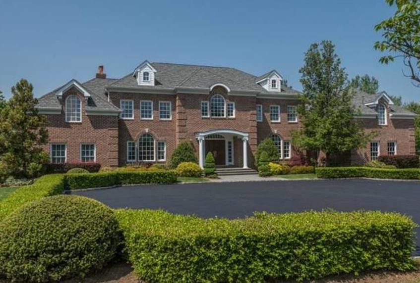 $4.8 Million Brick Home In Old Westbury, NY