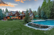 $9 Million Riverfront Log Home In Ketchum, ID