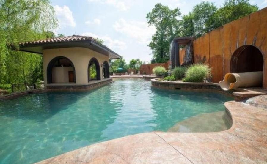 $2.8 Million Hilltop Mansion In Nottingham, PA | Homes of ...