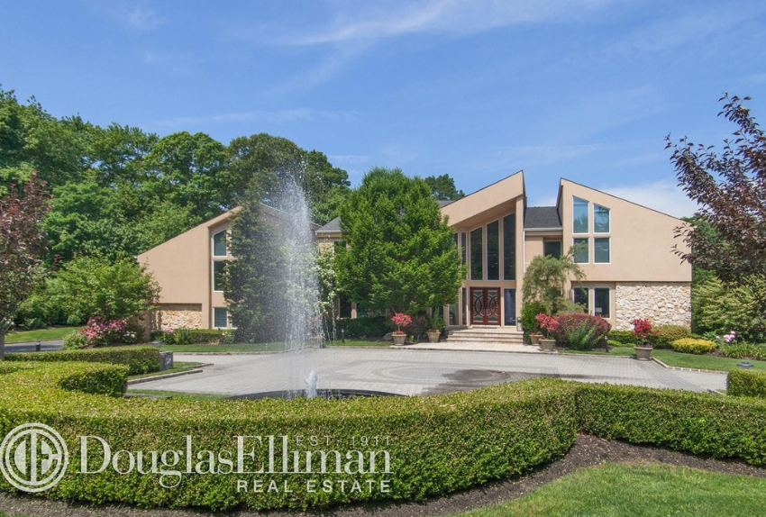 11,000 Square Foot Contemporary Mansion In Jericho, NY