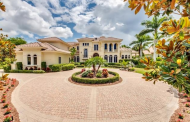 $4.75 Million Country Club Mansion In Naples, FL