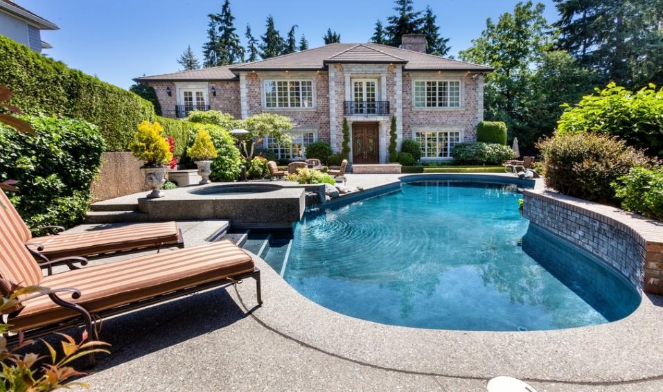 $3 Million Brick Home In Bellevue, WA