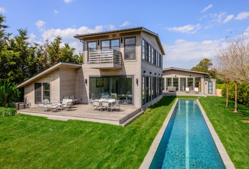 $8.995 Million Two-Home Compound In Sagaponack, NY