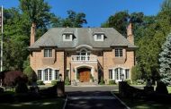 $3.9 Million Colonial Brick Home In Manhasset, NY