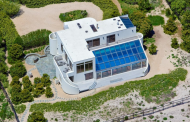 $27 Million Contemporary Oceanfront Home In Southampton, NY