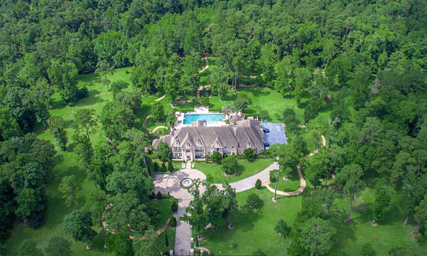 $8.5 Million Brick & Stone Mansion In The Woodlands, TX