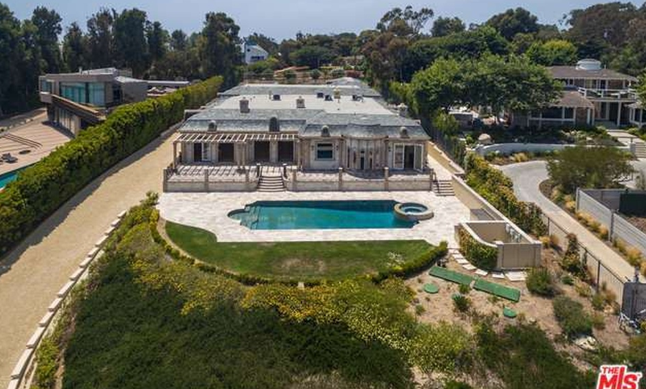 $10.5 Million Neoclassical Mansion In Malibu, CA