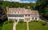 $3.189 Million Colonial Home In New Canaan, CT