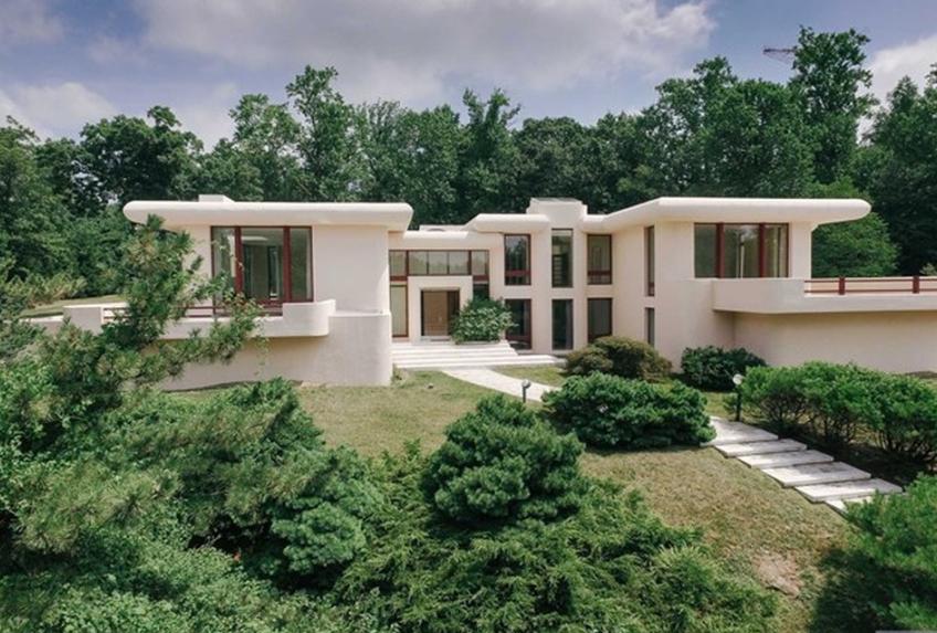 12 000 square foot modern mansion in alpine nj homes of for Alpine nj celebrity homes