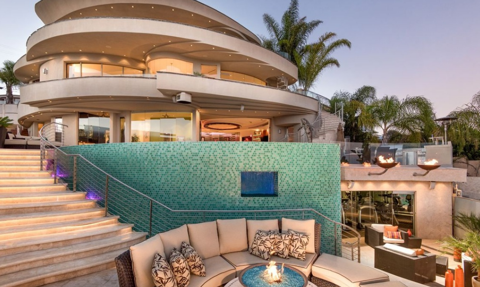 $5.475 Million Contemporary Home In San Diego, CA