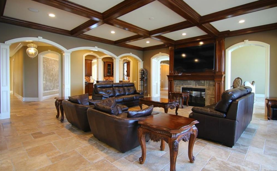 5 5 Million Lakefront Mansion In Orchard Lake Mi Homes