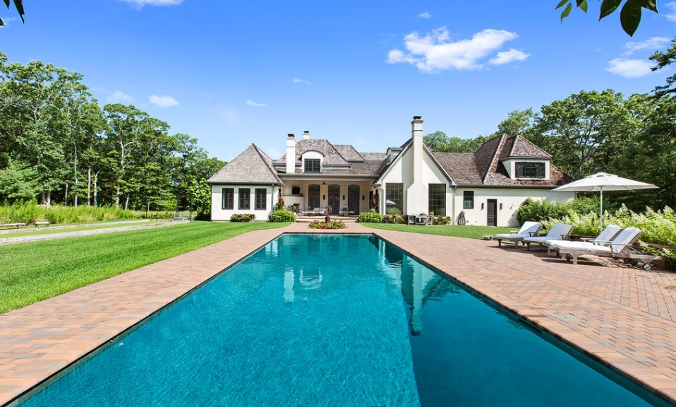 10,000 Square Foot Mansion In East Hampton, NY