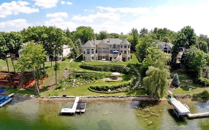 $9.75 Million Lakefront Mansion In Orchard Lake, MI