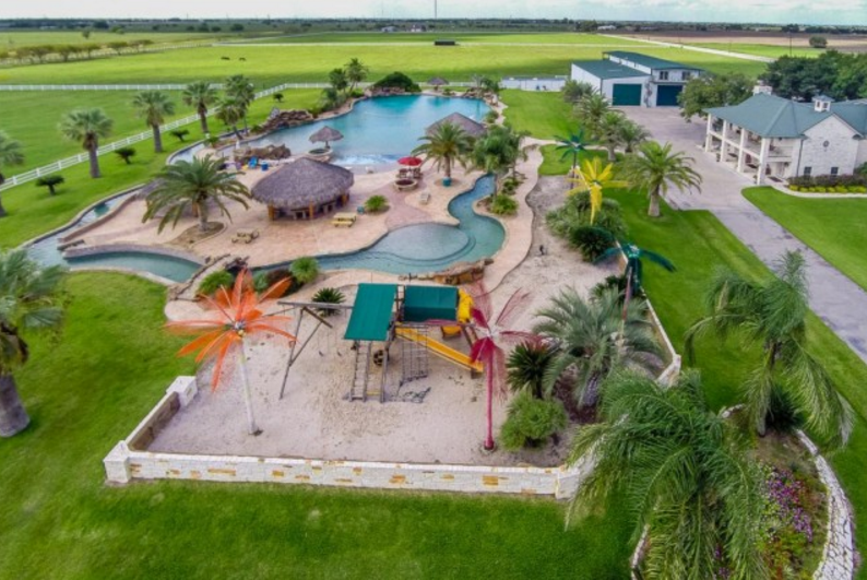 3 9 Million Estate In El Campo Tx With America S Largest Residential Swimming Pool Homes Of