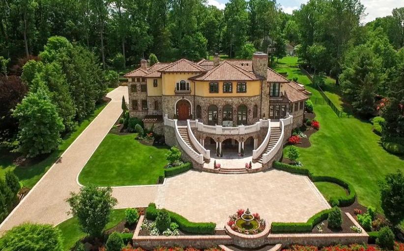 Villa Dei Sogno – A Mediterranean Mansion In Warren, NJ