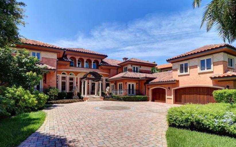 $3.795 Million Mediterranean Waterfront Home In Saint Petersburg, FL