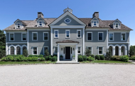 $4.995 Million Colonial Home In Greenwich, CT