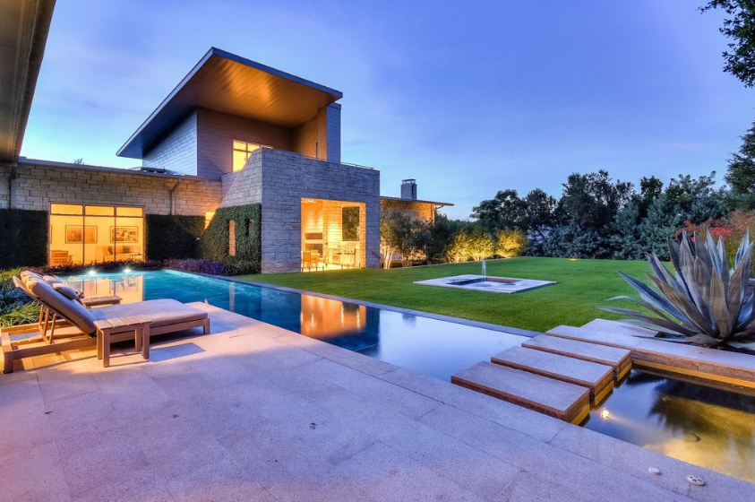 $4.95 Million Contemporary Home In Austin, TX