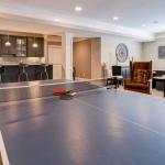 Rec/Game Room w/ Kitchen/Wet Bar