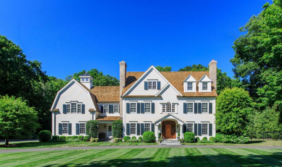 $2.975 Million Colonial Home In New Canaan, CT