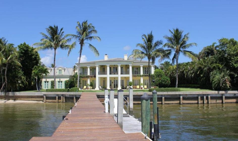 $28.5 Million Lakefront Mansion In Palm Beach, FL