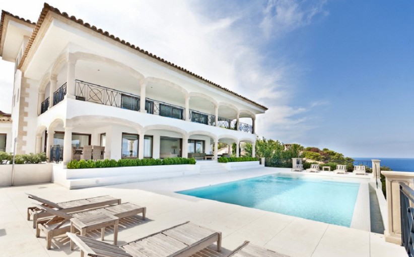 5 Beautiful Spain Villas You'll Want To Vacation At! (PHOTOS)