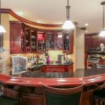 Wet Bar/2nd Kitchen