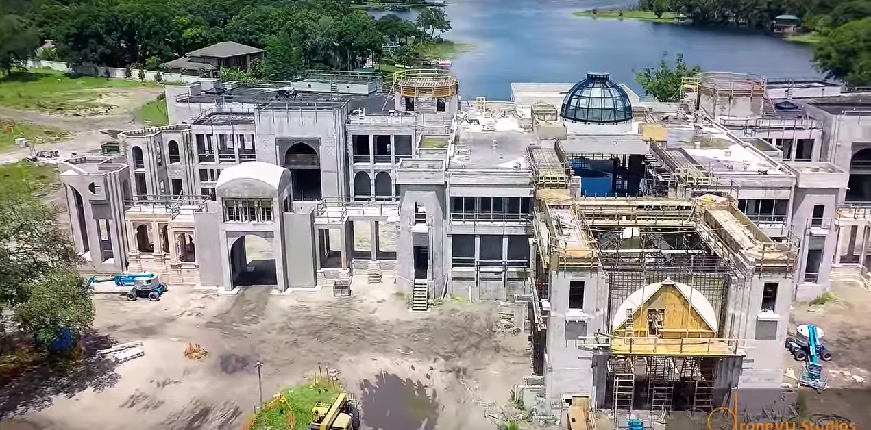 More pics videos of an 85 000 square foot florida mega for Mega mansions in florida