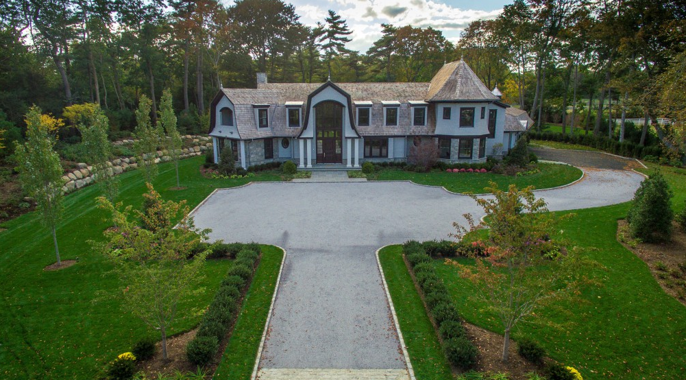 $5.95 Million Newly Built Shingle & Stone Home In Old Westbury, NY