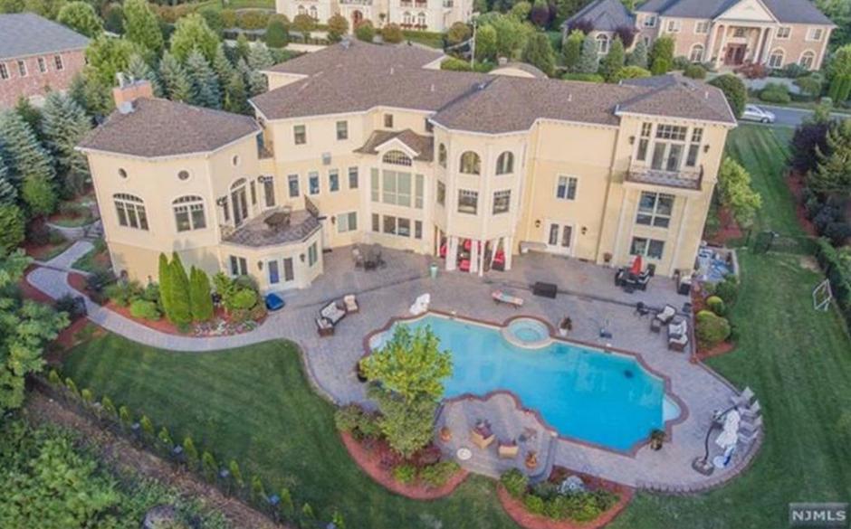 $3.985 Million Brick & Stucco Mansion In Cresskill, NJ