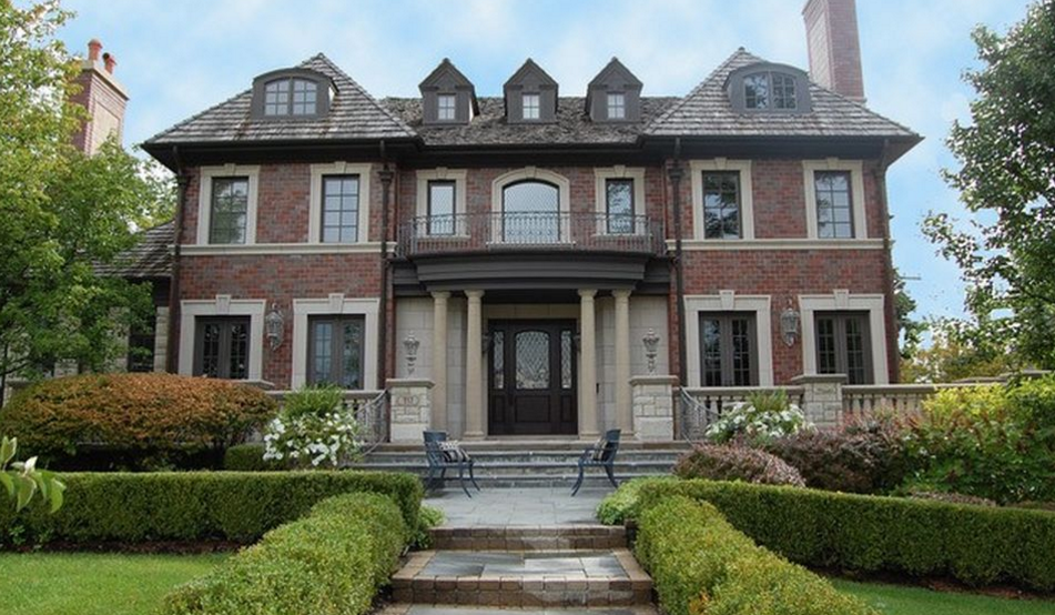 $3.995 Million Brick Home In Hinsdale, IL