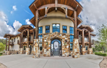 $1.7 Million Mountaintop Home In Park City, UT