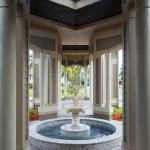 Porte-Cochere & Fountain
