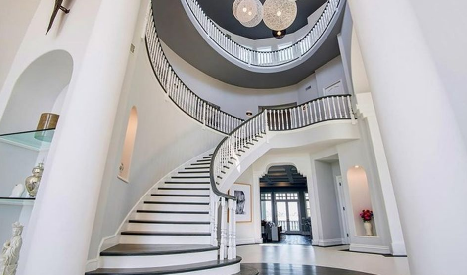 15 000 Square Foot Mansion In Calabasas Ca Homes Of The