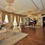Living Room/Ballroom