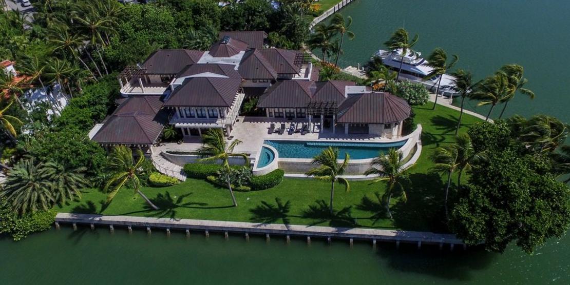 $39 Million Waterfront Mansion In Key Biscayne, FL