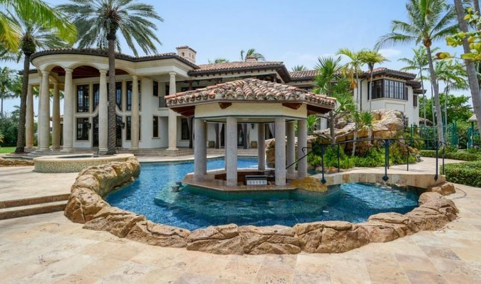 23 000 square foot waterfront mega mansion in fort for Mega mansions in florida
