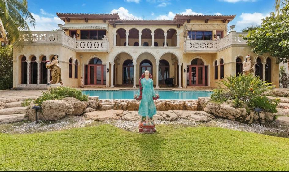 $23.9 Million Waterfront Mansion In Bal Harbour, FL