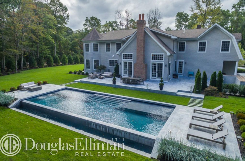 $3.199 Million Shingle Home In Saint James, NY