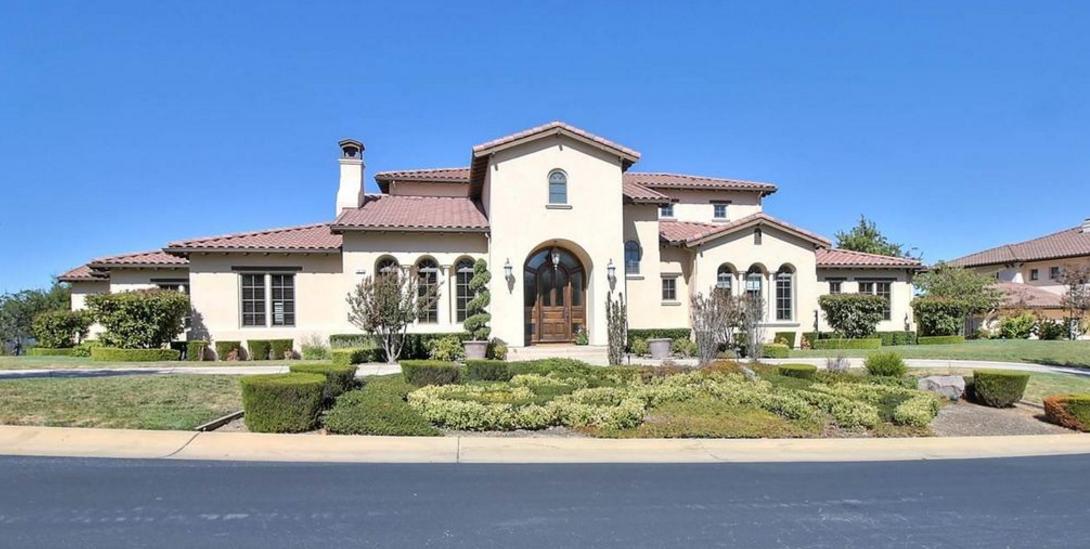 $2.7 Million Golf Club Home In Pleasanton, CA