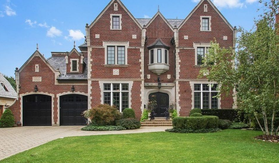 $2.9 Million Brick & Limestone Home In Kenilworth, IL