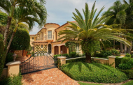 $4.95 Million Mediterranean Townhouse In Palm Beach, FL