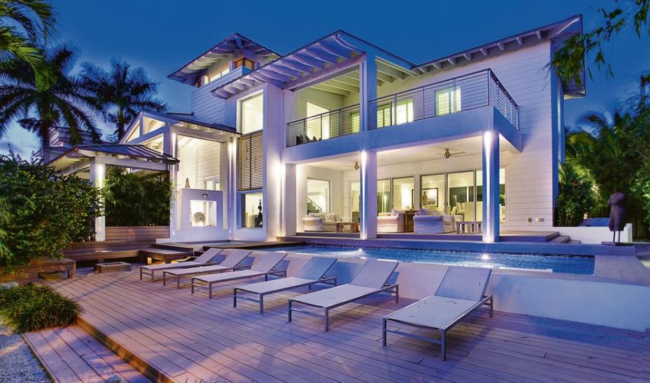 $4.8 Million Contemporary Plantation Home In Key Biscayne, FL