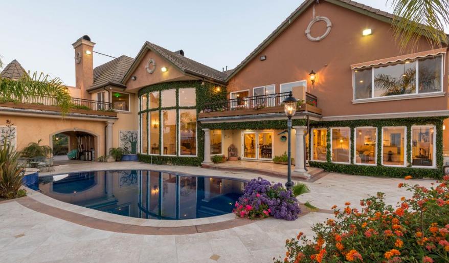 $4.275 Million Mansion In Encino, CA