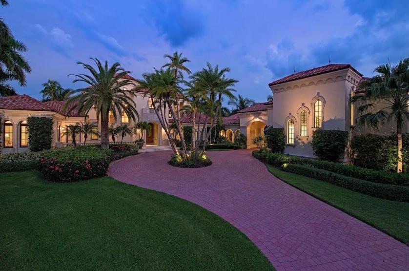 $12.75 Million Waterfront Mansion In Naples, FL