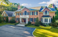 $2.9 Million Brick Colonial Home In Syosset, NY